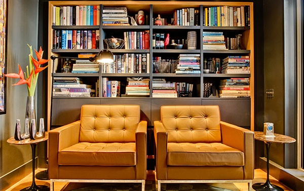 London apartment by Daniel Hopwood
