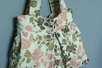 Pleated and lined fabric bag tutorial.  Made this and it worked out perfectly.