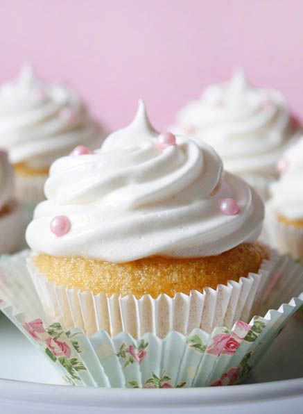 Vanilla Cupcakes with Fluffy Marshmallow Frosting