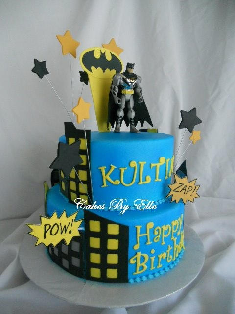 22 best Batman cake images on Pinterest Batman cakes Batman party