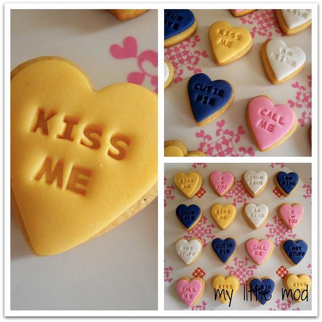 Vanilla bean cookie 'conversation hearts' by mylittlemod, via Flickr