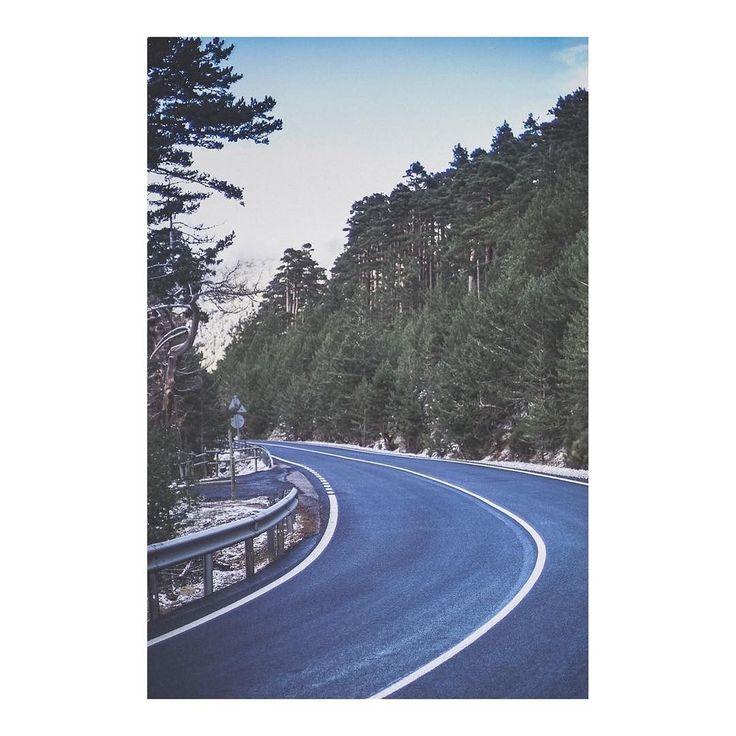 Línea curva _ Curved line imarchi      #carretera #road #roadtrip #nieve #snow #frio #snowflake #sierra #cold #powder #snowing #snowflakes #mountain #snowfall #winteriscoming #sierrademadrid #navacerrada #puertodenavacerrada #madrid #igersmadrid #ig_madrid #themadridbible #instamadrid #spain #españa #picoftheday #photooftheday   Imarchi photography  Also in Instagram here: http://ift.tt/2jhwFoc photographers on tumblr original photography Spanish photographers imarchi imarchi.com Madrid…