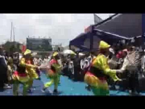 Parade seni Tradisional dalam perayaan ulang tahun kota Garut tahun 2014