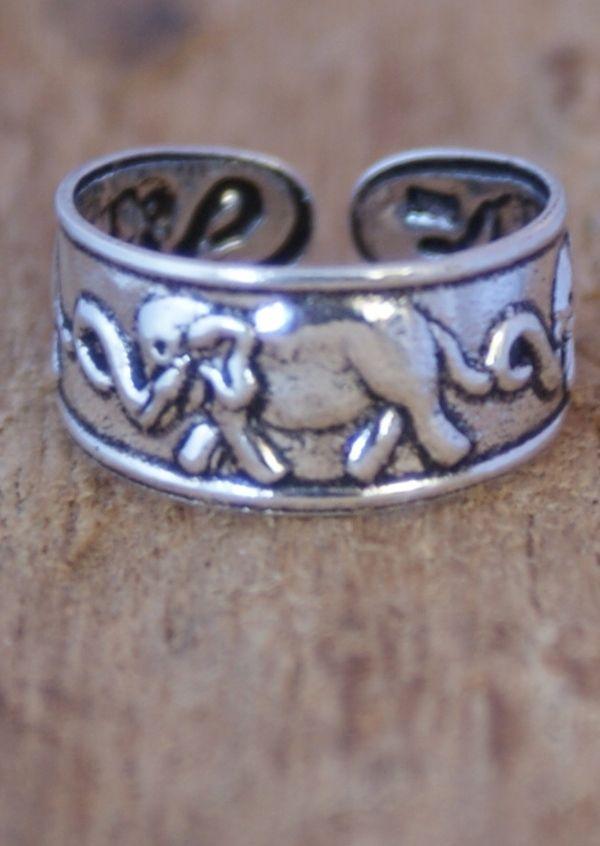 Karma East - Silver Elephants Toe Ring