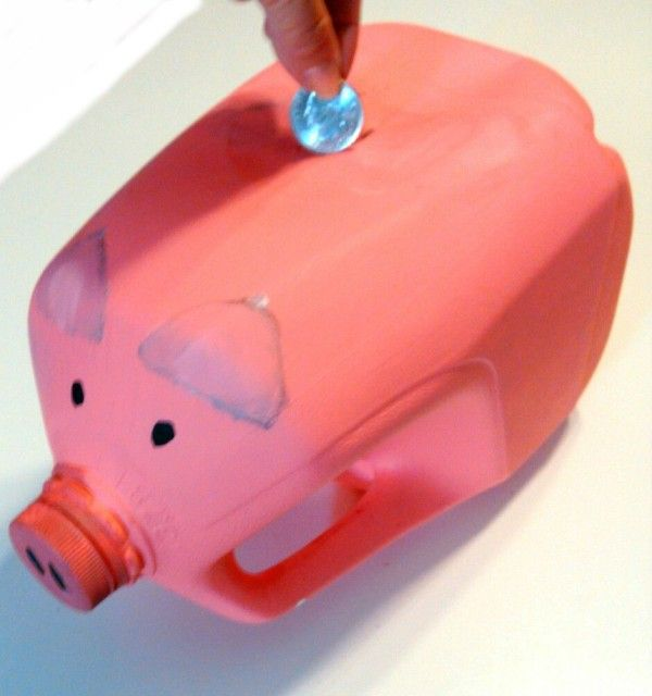 Making A Gallon Milk Jug Piggy Bank Milk Jug Crafts Recycling Projects For Kids Milk Jug Projects