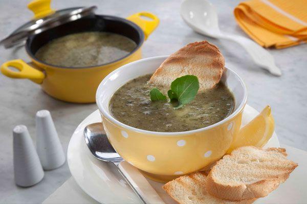 طريقة عمل شوربة عدس بالسبانخ منال العالم وصفة شوربة عدس بالسبانخ منال العالم طريقة تحضير شوربة عدس بالسبانخ منال العالم شوربات شو Recipes Lentil Soup Food