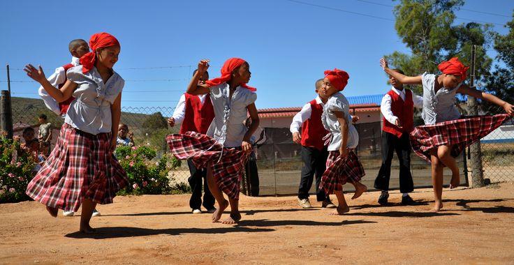 Traditional 'Riel Dansers'