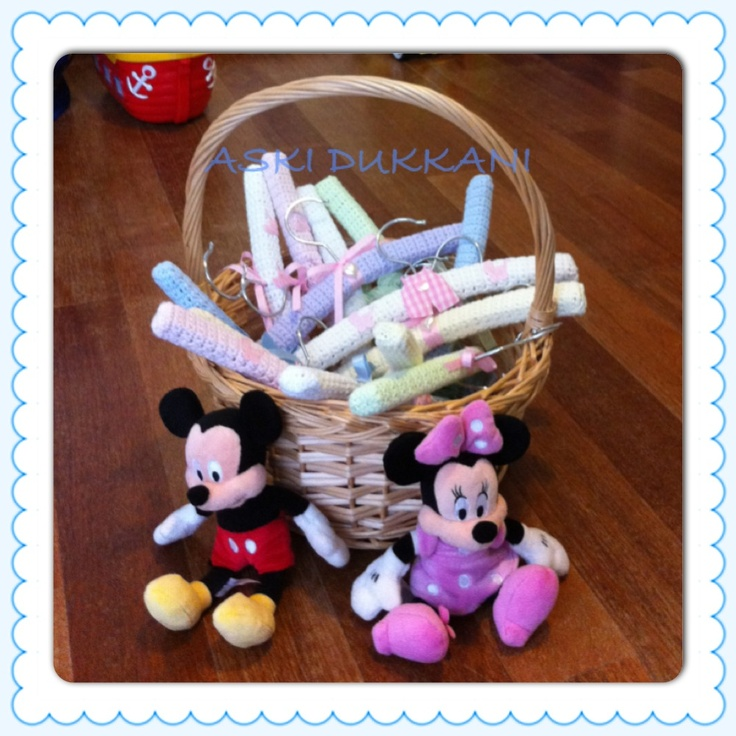 Cute crochet hangers gift basket - for your friends and visitors who come to the birthday or babyshower party