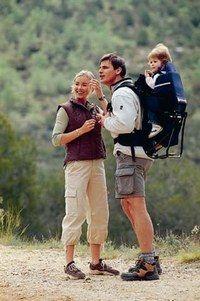 Porte-bébé Randonnée de Red Castle Sport : -  bien porter son bébé  - Le porte-bébé de Red Castle Sport est un porte-bébé de randonneuse très complet. Il comblera les grands marcheurs. Il convient au bébé dès lors qu'il se tient bien assis et jusqu'à 15 kg...