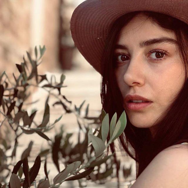 Ozge Gurel Ozgecangurelofficial Photos Et Videos Instagram Turkish Beauty Favorite Celebrities Actresses