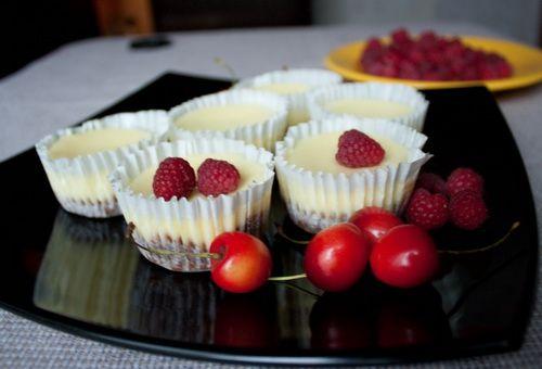 Мини-чизкейки с ягодами