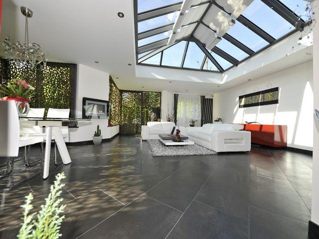 Vous rêvez d'une terrasse bois pour embellir les abords de votre maison et pouvoir mieux profiter de votre terrain ? Découvrez combien ce genre de projet coûte grâce à une estimation chiffrée ... #maisonAPart