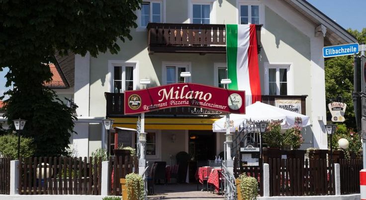 Hotel Ristorante Milano Bad Tölz This small, welcoming hotel is located in the centre of Bad Tölz, not far from the renowned marketplace and the railway station. It is also the closest hotel you will find to the new ice rink.