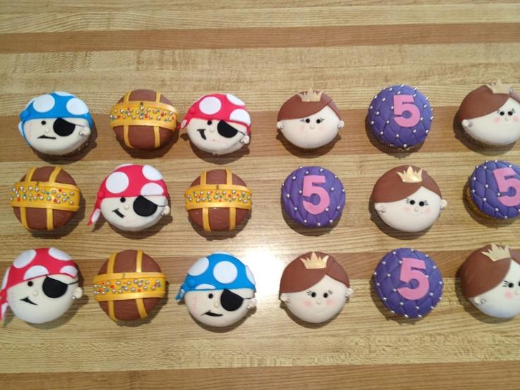 Princess and pirate theme cupcakes