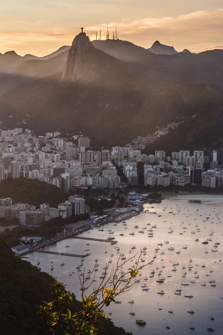 Get an overview of Rio's most important sights during this comprehensive 8-hour tour.