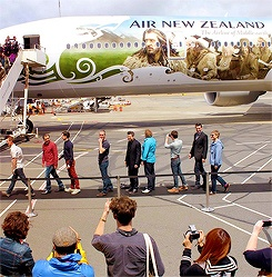 Cast and crew of 'The Hobbit: An Unexpected Journey' landing in New Zealand