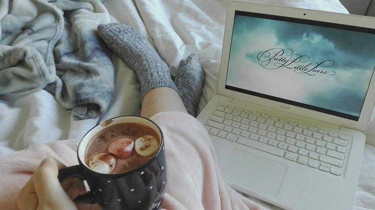 Watch Netflix - Ways To Destress    #netflix #break #prettylittleliars #pll #blog