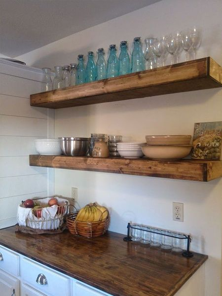 To make your own chunky floating shelves you can use a variety of materials. The most affordable option would be to use PAR and laminated pine, but you could also use Meranti or other hardwood, or you could use marine plywood. Another alternative would be to use 16mm MDF and then finish with paint.