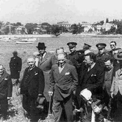 Atatürk Kadıköy'de