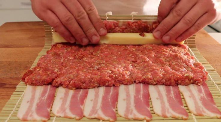 De flesta gillar bacon, vare sig det är till frukosten, lunchen eller middagen. Och det är svårt att slå en bit salt och knaperstekt bacon. Men tänk då att blanda det med en god köttfärs, en riktigt finost och en härlig barbecuesås. Resultatet blir en rätt som tagits till en helt ny nivå
