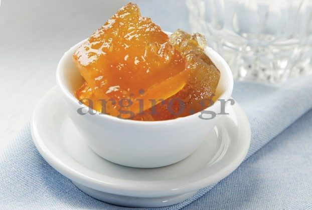 Για να πετύχει το γλυκό πρέπει να προσέξουμε να διαλέξουμε ένα χοντρόφλουδο καρπούζι.