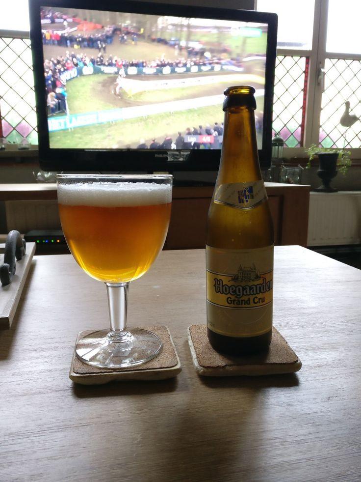 Hoegaarden Grand Cru  - blond - 8,5 Vol % Alc.   #blondbier #belgischebieren #belgiumbeer #belgium #belgiumbeers #genieten #belgianbeers #hoegaarden_grand_cru #hoegaarden #inbev #sterkbier #be_at_design