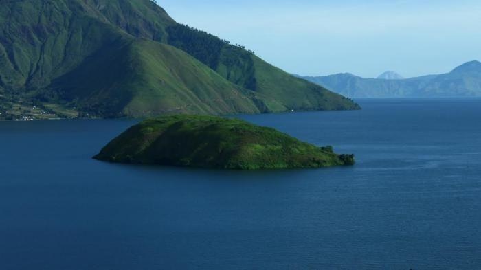 Bukit Pangururan - Mengintip Keindahan Danau Toba dari Lain Sisi