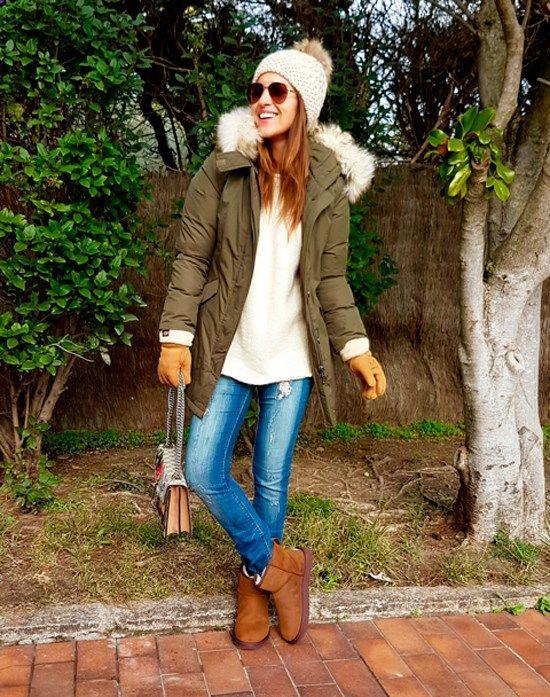 Tras la pista de Paula Echevarría » PREPARADA PARA EL FRÍO. Ivory oversized sweater ripped straight jeans brown UGG boots khaki padded parka ivory pompom beanie aviator sunglasses gloves. Winter Casual Outfit 2016-17