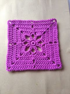 365 Granny Squares Project: A pink flower..... free diagram