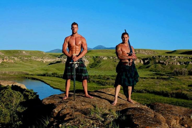Love those Scottish men! Kilts and Claymores, how much better could it get?