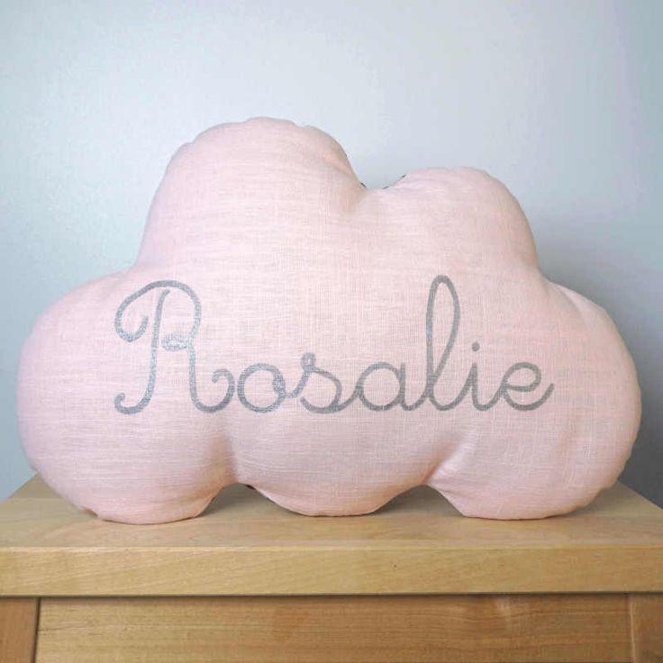 Coussin nuage personnalisé prénom.