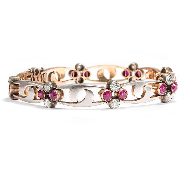 Die Macht der Liebe - Armband des späten Jugendstil mit natürlichen Rubinen und Diamanten, um 1910 von Hofer Antikschmuck aus Berlin // #hoferantikschmuck #antik #schmuck #antique #jewellery #jewelry