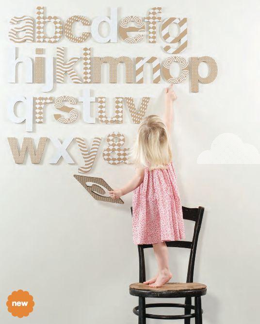 @김웅 frankie cardboard alphabet