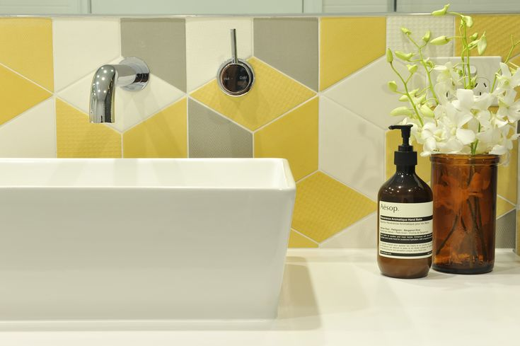 eat.bathe.live :: ensuite design within the southbank residence designed by eat.bathe.live. Features Mutina Tex tiles