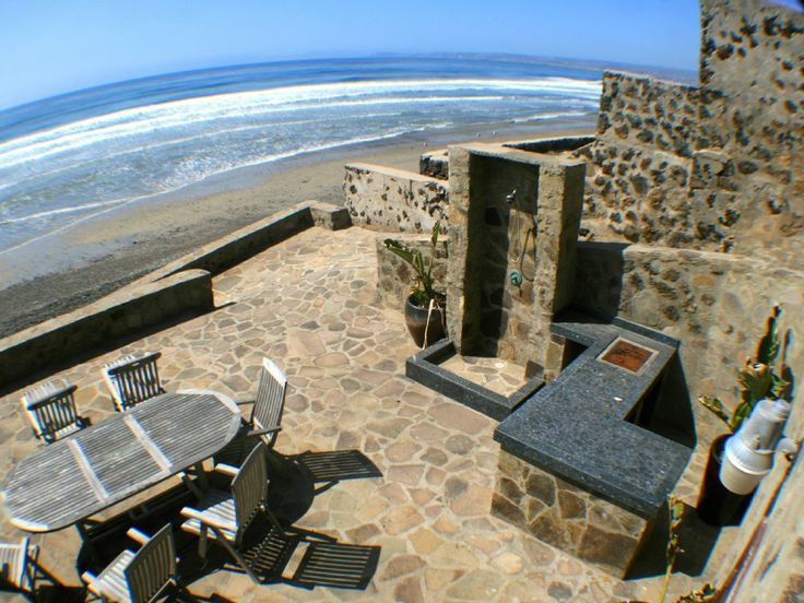 Exclusive Beachfront Home With Heated Pool And Bar On