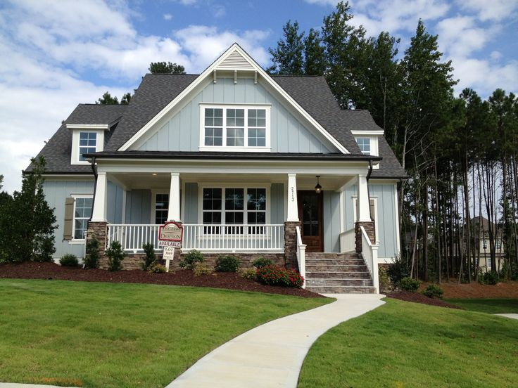 Cute craftsman exterior love the colors and large front - Craftsman home exterior paint colors ...