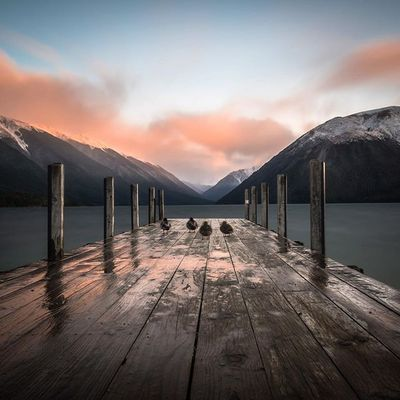 Little ducks enjoying Lake Rotoiti in Nelson #nelsonshines ▪️canon60d ▪️10-22 f/3.5-4.5 lens ▪️28mm ▪️f10 ▪️147sec ▪️10stop ▪️ISO100