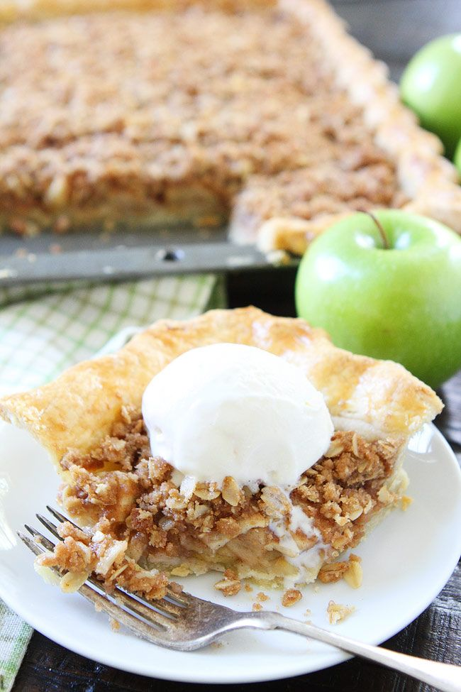 Apple Slab Pie with Crumb Topping from @twopeasandpod