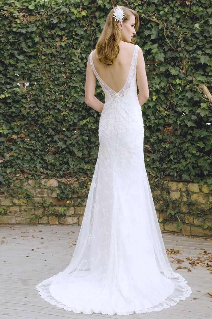 Florence - low back, lace, embroidery