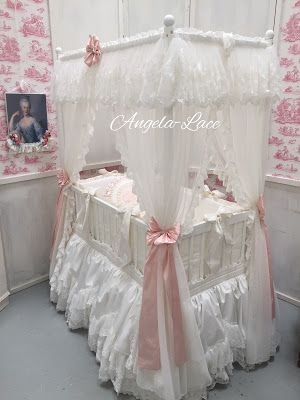 Angela Lace: Four Poster Baby Bed
