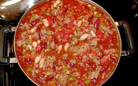 Super EASY Super Bowl Chili!   http://nancynewcomer.com/2011/07/08/easy-chili/