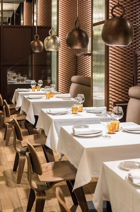 Restaurante Asador Rocacho Madrid. Padre Damian 38, Interiorismo de Estudio CUARTO INTERIOR. #restaurant #retail #cuartointerior #interiorismo #gastronomia #asador #Madrid #lámparas #cobre #polspotten #stone