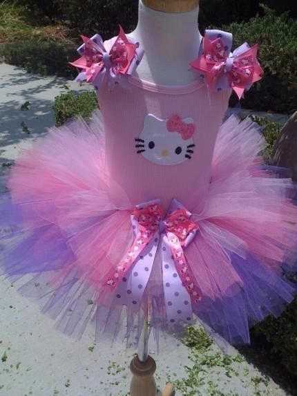 tutu...if jj can find the pink onsie or shirt, i could make this for M. including the kitty cat applique
