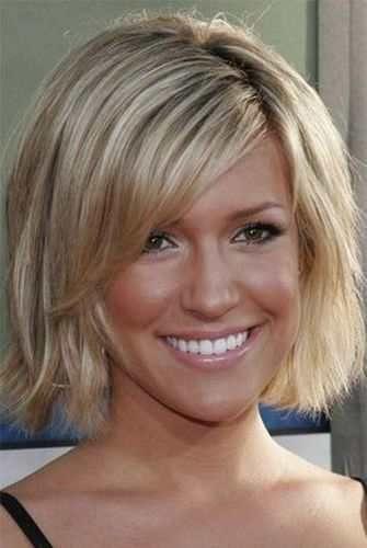 Короткая стрижка для тонких волос Короткий боб для блондинок