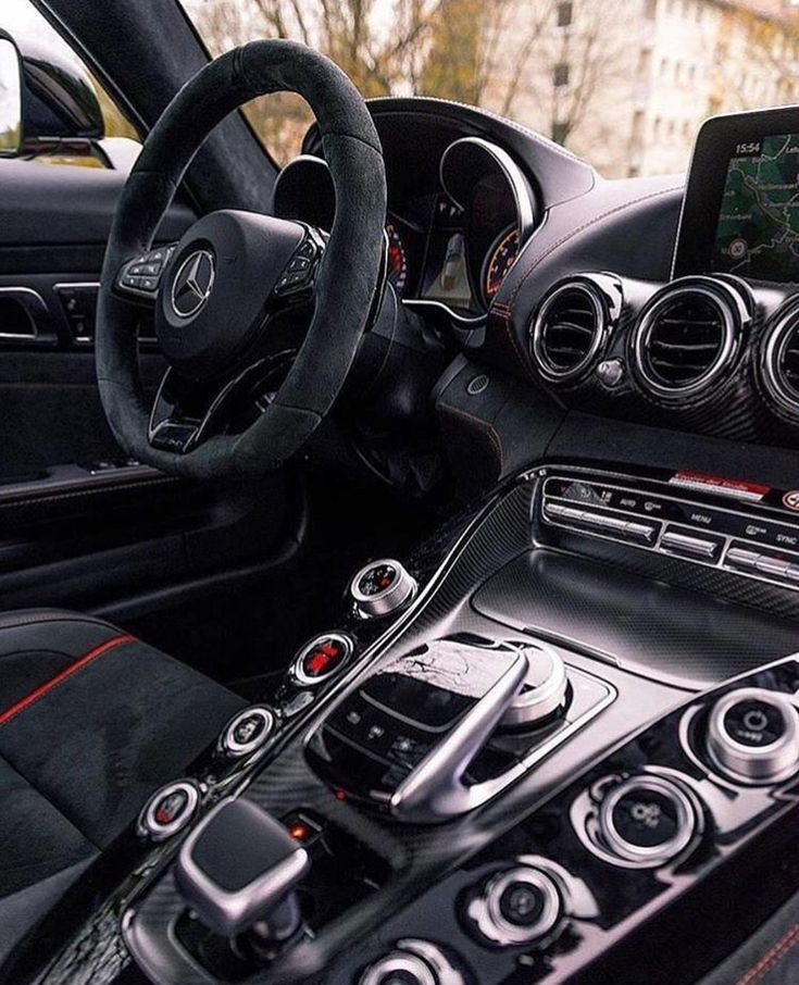 Mercedes Amg Gt 4 Door Coupe With Images Mercedes Interior