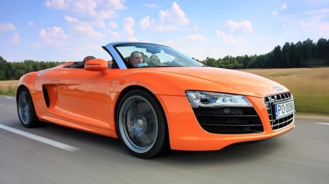 Sportowe samochody to nie tylko obiekty marzeń małych chłopców. Szybkie i piękne cacka śnią się po nocach także ojcom. Prezentujemy zestawienie wybranych przez nas 15 aut, o których marzy znaczna większość kierowców