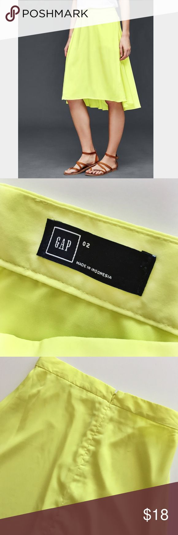NWOT Gap neon yellow skirt size 2 This bright neon yellow skirt from Gap has never been worn. It is a gorgeous hi low, knee length skirt with a zipper back. Fully lined. Machine wash cold. Size 2. GAP Skirts High Low