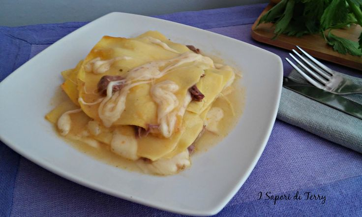 Lasagne in brodo di carne filante