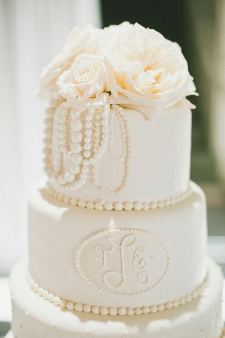 25 best ideas about monogram wedding cakes on pinterest. Black Bedroom Furniture Sets. Home Design Ideas