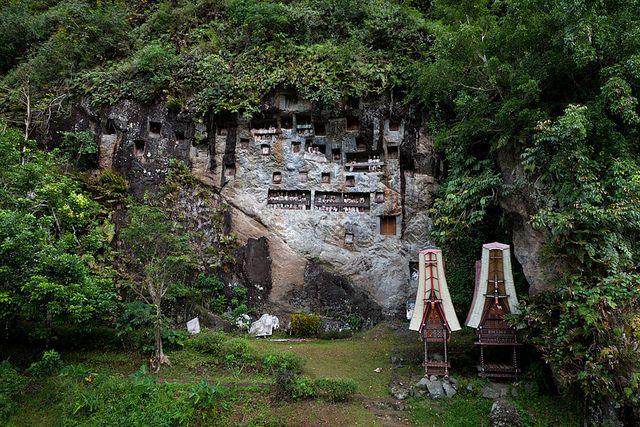 Tourist Attraction Lemo Tana Toraja